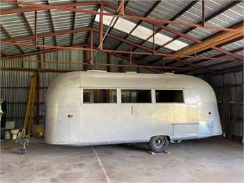 1959 Caravanner 22' Restoration