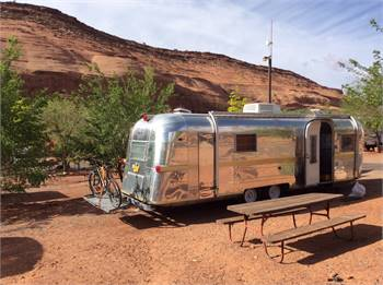 Vintage Trailer 1964 28' Streamline Empress Renovated New Interior.  Like Airstream, Silverstreak