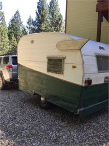 SOLD - 1962 Shasta Compact trailer