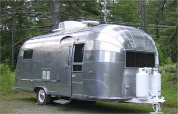 1955 Airstream Flying Cloud 22'