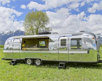 Beautiful Vintage Airstream Lounge and Bar