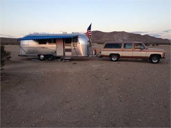 66 airstream international 27 feet /towingspecial surburban