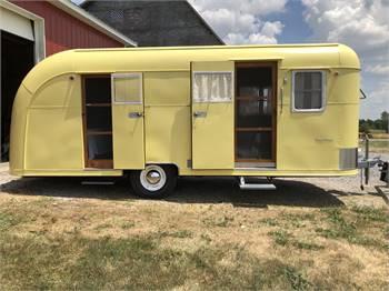 1952 Vagabond vintage camper model 19