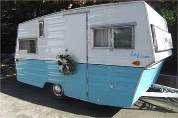 ARISTOCRAT 1968 LO-LINER Vintage trailer Newly Re-built