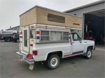 1977 Chevy Scottsdale 4x4 Pickup Camper