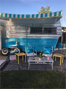 Couples Retreat Vintage GLAMPING trailer! 1971