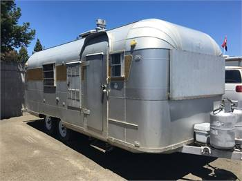 22 ft 1965 Silver Streak - Airstream Cousin
