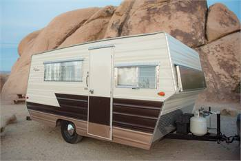 1964 Aristocrat Lo-Liner: Completely restored. Festival and dry campers dream: solar + sound system